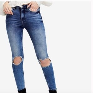 Free People Busted Knee Skinny Jeans Ripped